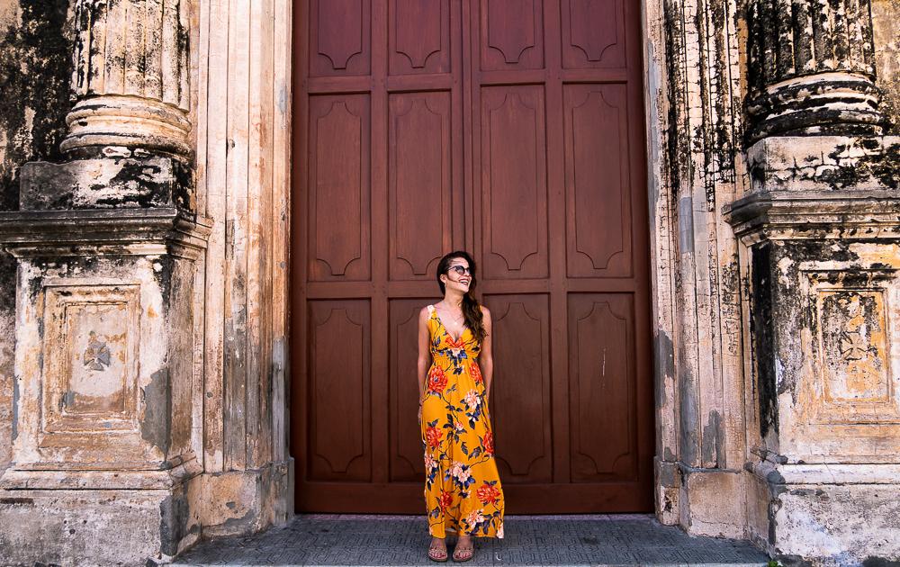 Granada, Nicaragua: dani in front of church