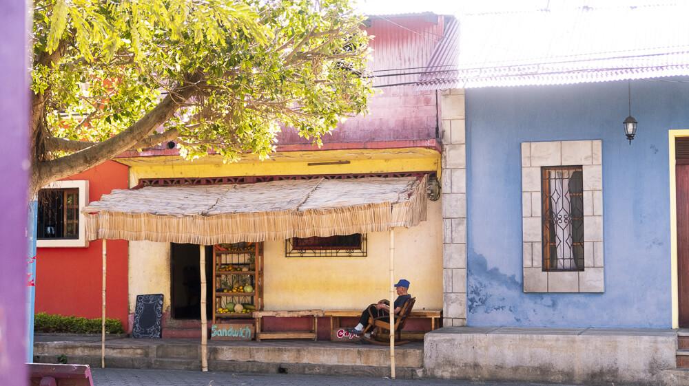 Masaya, Nicaragua: colorful houses