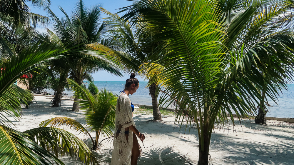 Caye Caulker, Belize: Lauri by the beach